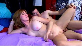 Tia gostosa realizando fetiche sexual com o sobrinho