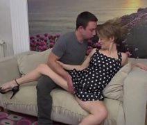 Clube erotico com mulher da buceta peludinha transando muito