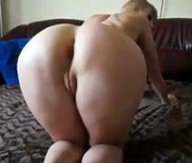 Loira gostosa dando o cu gostoso em sexo amador