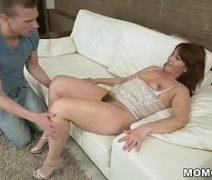 Porno redtuby com madrasta safada transando com o enteado