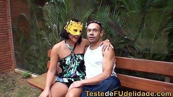 Teste de fudelidade com coroa casada safada dando pro ricardão