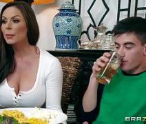 Comendo a mae da namorada depois do jantar
