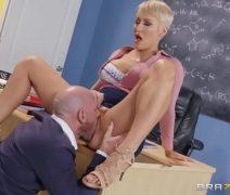 Porno americano com professora transando com pai de aluno