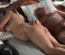 Video porno caseiro com velho comendo sua velha