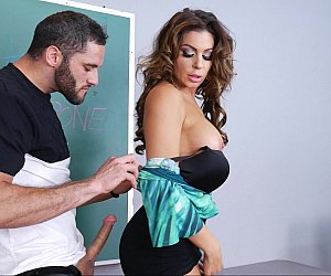 Video porno de professora sexy transando na sala de aula