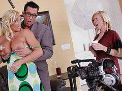 Levou a filha para gravar um comercial mas acabou roubando a cena