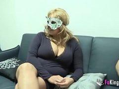 Sexo com gorda mascarada fodendo