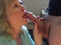 Porno boquete com uma coroa loira boqueteira