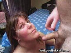 Mulher de 40 anos tomando leitinho da pica do amante