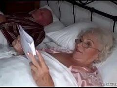 Novinho comendo velha casada de madrugada