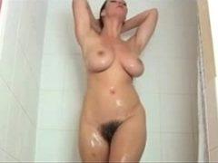 Videos exitantes de coroas de 50 tomando banho