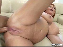 Mulher velha dando a buceta e o cu ao mesmo tempo