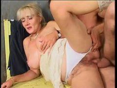 Porno com idosas dando o cu