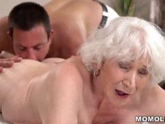Vídeo pornô de velhinhas sendo fodidas