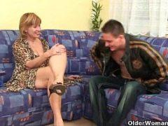 Videos de velhas transando com amigo do marido