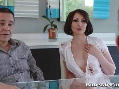 Mulher gostosa traindo o marido com o novinho