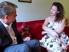 Casada traindo o marido com o advogado do marido