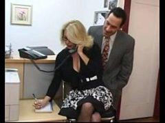Secretaria dando para o patrão safado