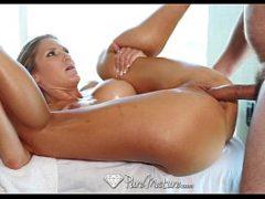 Xvideosporno do massagista comendo a cliente casada