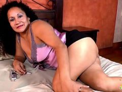 Videos porno de coroas peitudas de mini saia