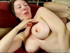 Coroa branca fazendo sexo com o seu comedor novinho